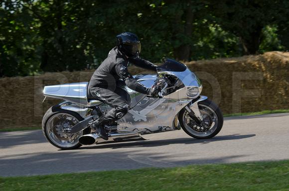 10 Fastest Motorbikes of the World | Listphobia